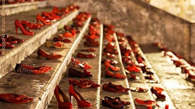 Scarpe rosse - San Gimignano